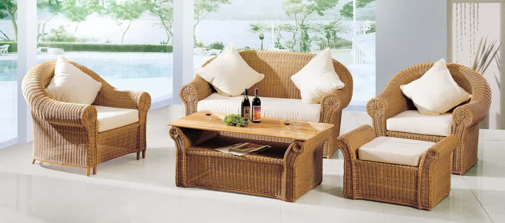 advantages of using outdoor furniture