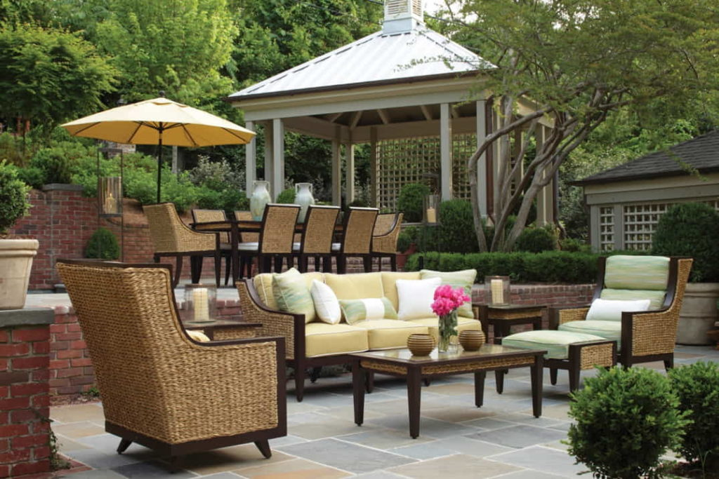 Advantages of Outdoor Furniture